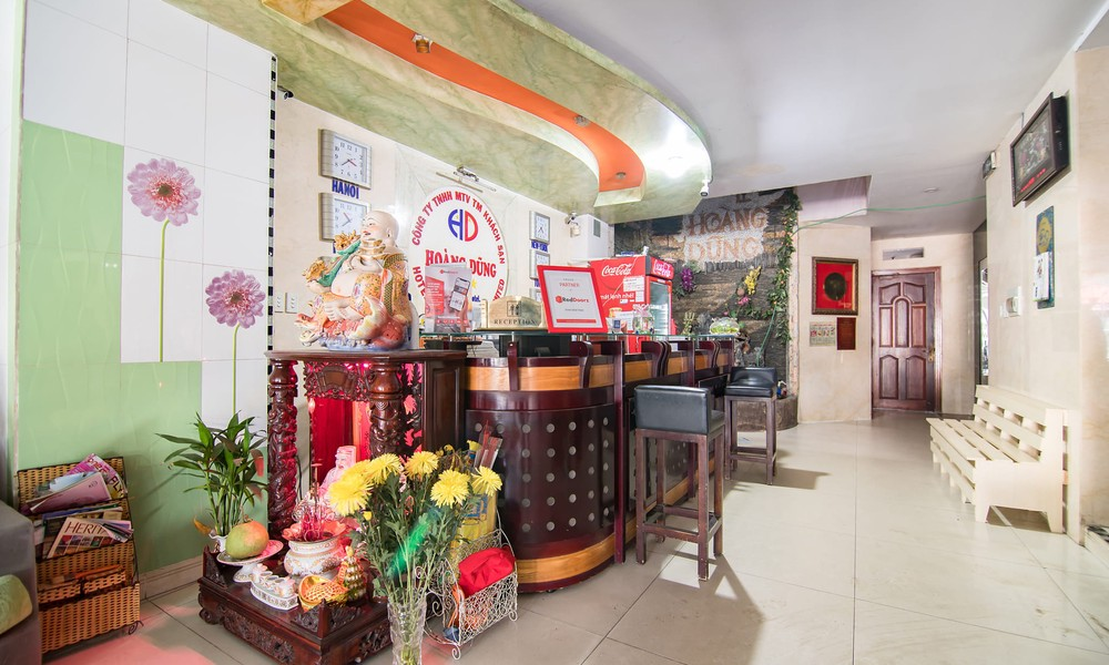 RedDoorz near Tan Son Nhat Airport